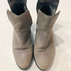 Jeffrey Campbell Vintage ORILEY Cut Out Boot
